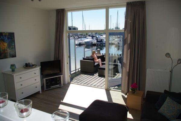 Vakantiehuis Beurtschippersstraat 23 - Nederland - Zeeland - 8 personen - woonkamer met terras