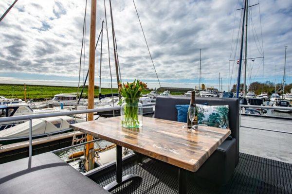 Waterlodge Blue Island - Nederland - Zeeland - 4 personen - terras in de jachthaven