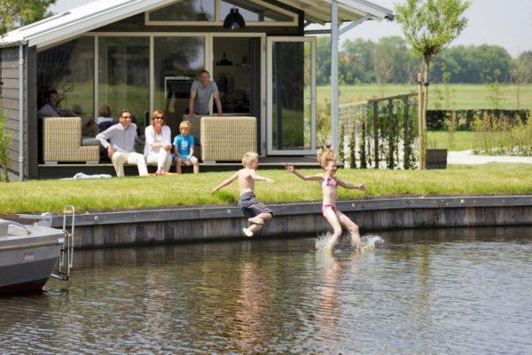 Watervilla FR121 - Nederland - Friesland - 6 personen - aan het water