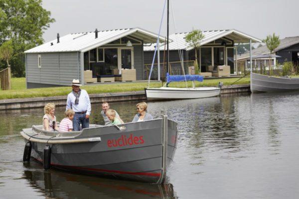 Watervilla FR121 - Nederland - Friesland - 6 personen - prive aanlegsteiger