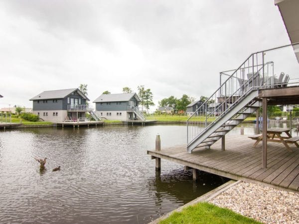 Waterwoning comfort 8C Sneekermeer - Nederland - Friesland - 8 personen - prive aanlegsteiger