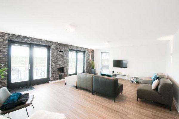 Villa Oesterdam Wellness 16 - Nederland - Zeeland - 16 personen - lichte woonkamer