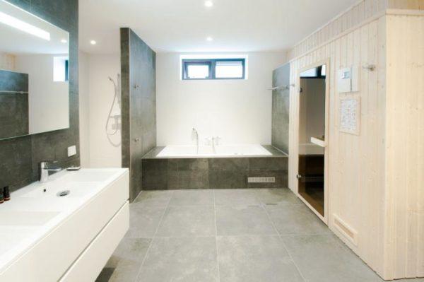 Villa Oesterdam Wellness 16 - Nederland - Zeeland - 16 personen - luxe badkamer met sauna