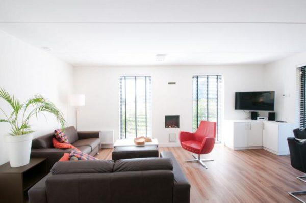 Villa Oesterdam Wellness 6 - Nederland - Zeeland - 6 personen - lichte woonkamer